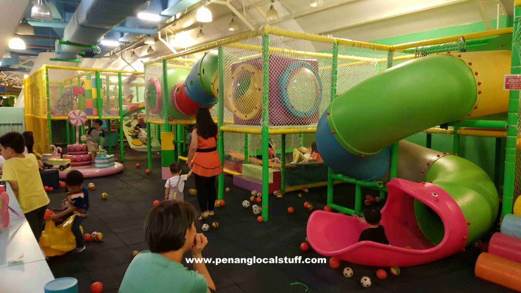 Cartoon World Gurney Paragon Indoor Playground