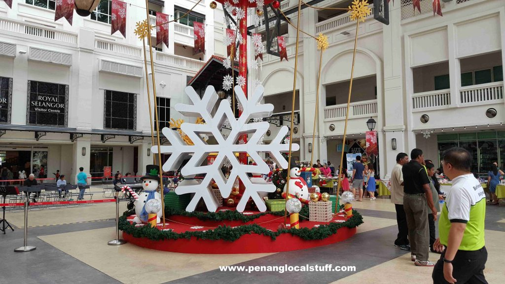 straits quay christmas decorations