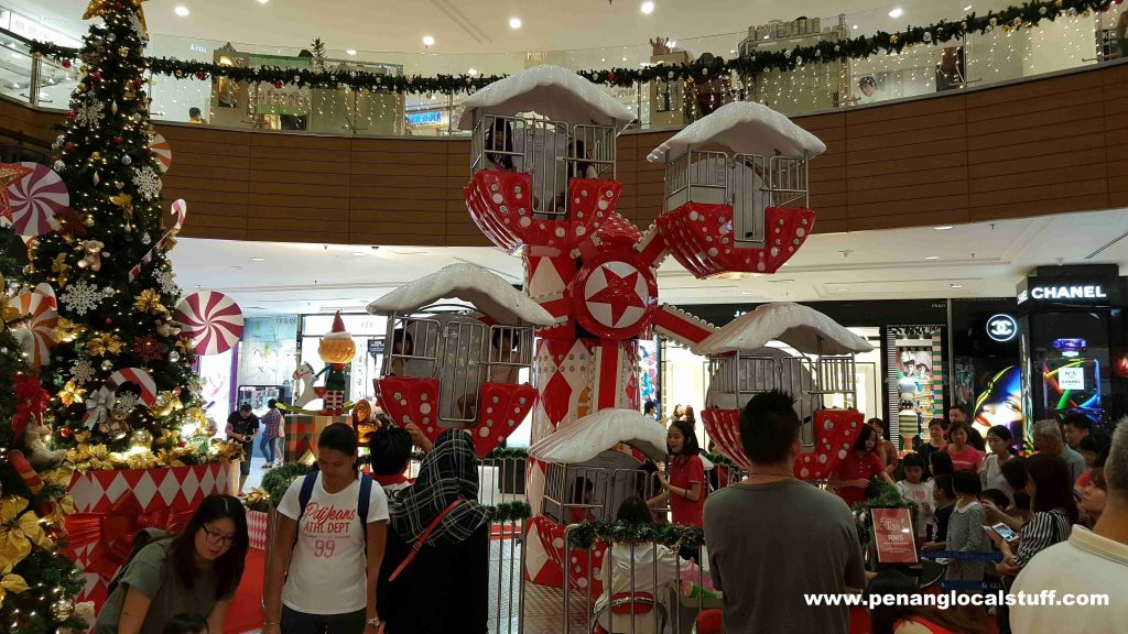 gurney plaza christmas decorations ferris wheel - Christmas Ferris Wheel Decoration