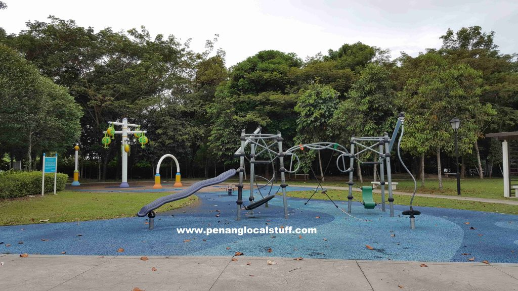 Straits Green Playground Equipment