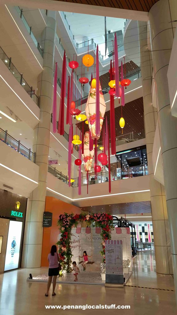 Gurney Paragon Floral Lantern Decorations