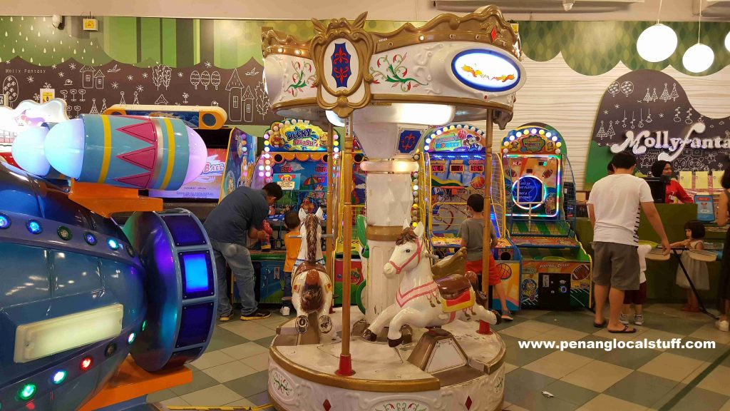 Molly Fantasy AEON Queensbay Mall - Merry Go Round