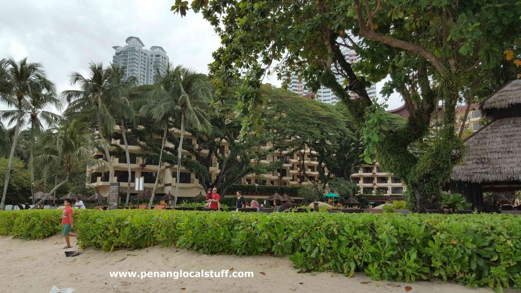 Shangri-La's Rasa Sayang Resort Beach Area