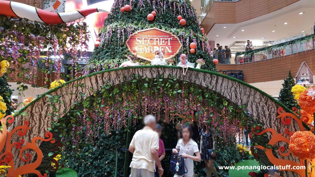 Gurney Plaza's Christmas Secret Garden 2018