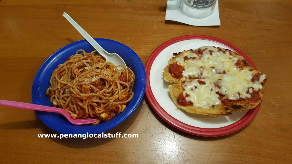 TGI Fridays Kids Spaghetti And Pizza