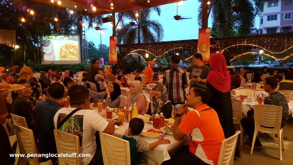 De Pauh Garden Restaurant And Cafe Permatang Pauh